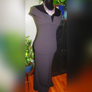 Misguided Crepe Off The Shoulders Stretch Dress